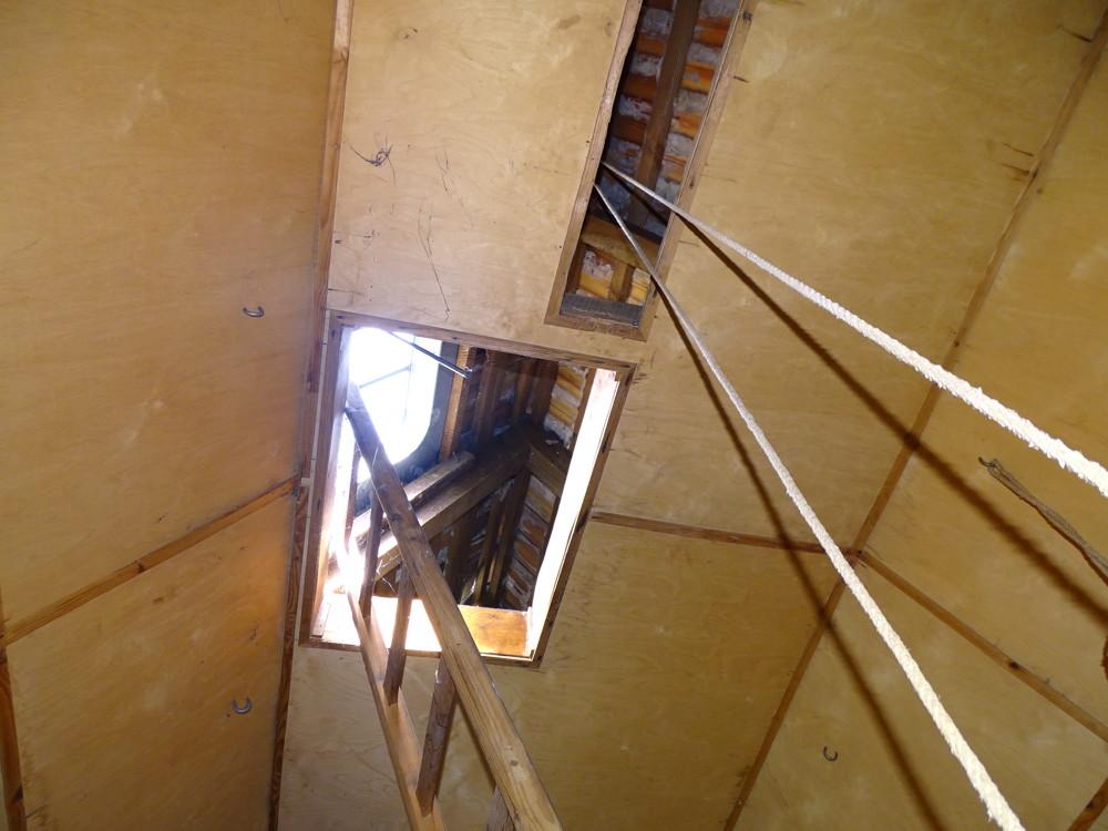 Treppe zum Spitzboder