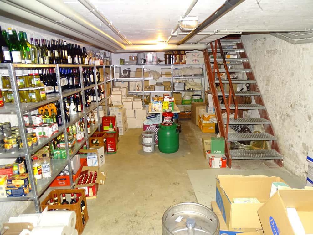 Lager im Keller